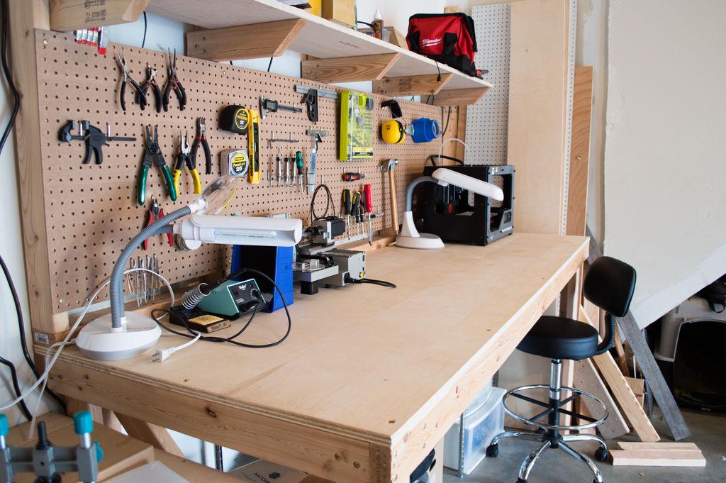Рабочее место для изготовления поделок из спичек