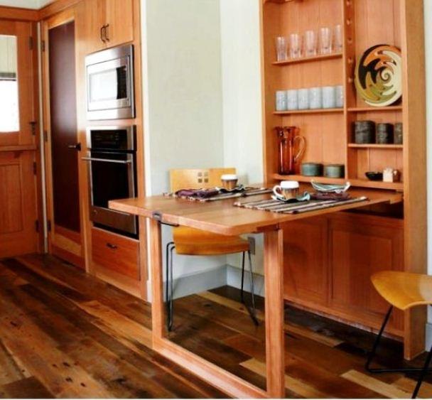 Качественная мебель может служить полноценным обеденным столом.