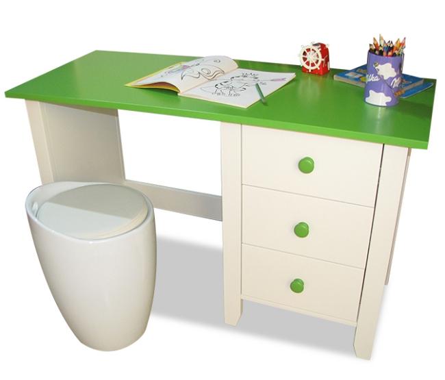 Зеленая столешница – идеальное решение для детского письменного стола