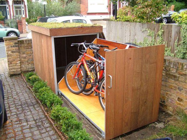 Импортная идея хранения байков во дворе дома