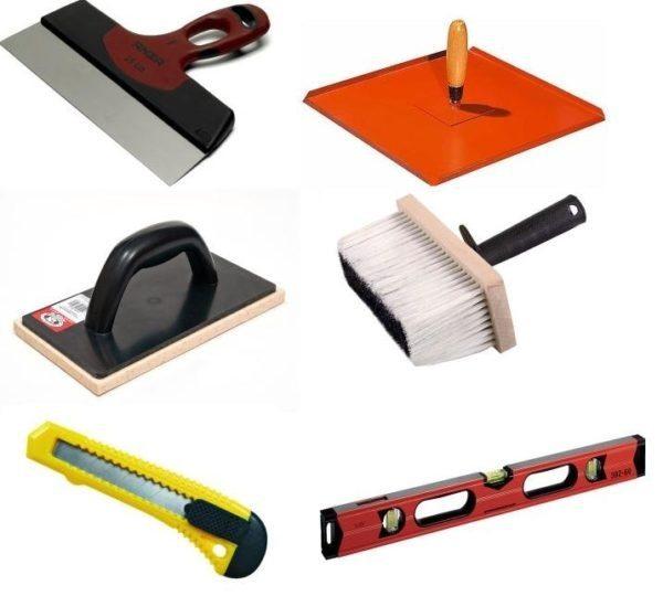 Инструмент для работы с грунтовкой и шпаклевкой.