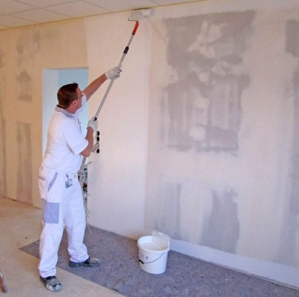 Из-за его экологичности, силиконовое покрытие можно наносить и на стены внутри помещений.