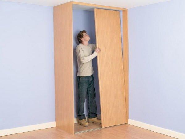 Изготовление шкафа со сдвижными дверями — это поэтапный процесс