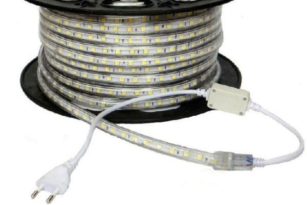 Компактный выпрямитель монтируется прямо на шнуре питания.