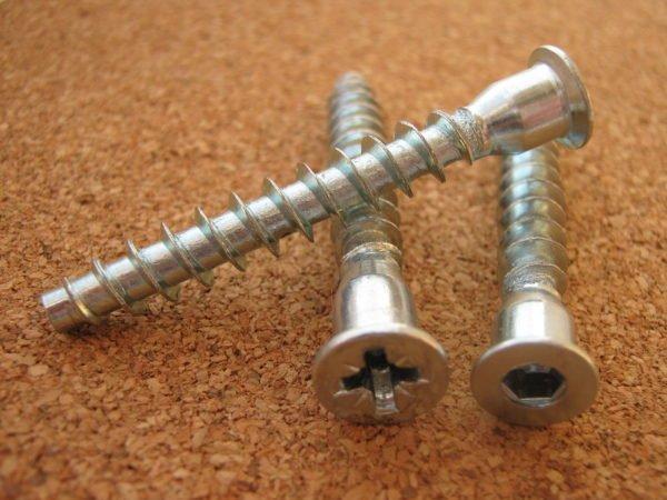 Конфирматы под фигурную отвертку и под шестигранный ключ на 5 мм