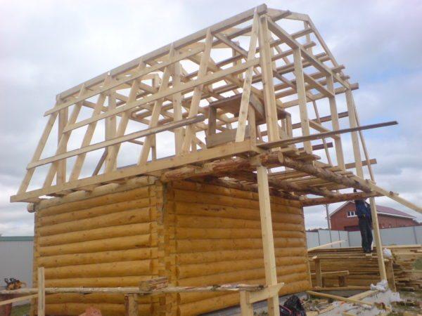 Консольную конструкцию можно укрепить колоннами