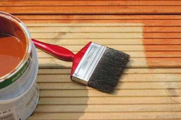 Краска – один из самых простых способ оживления декора