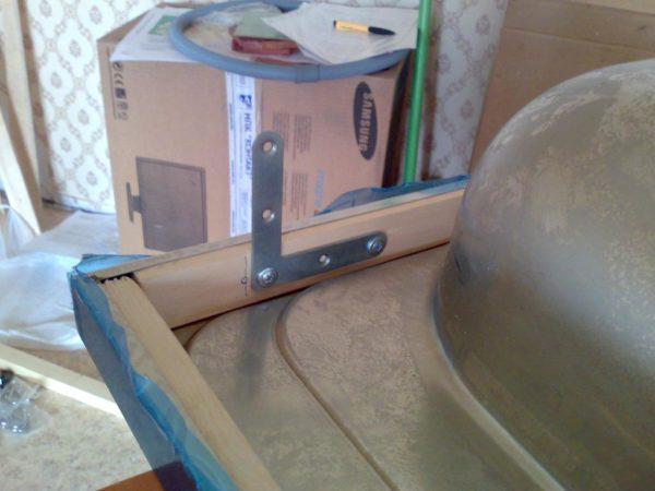 Крепление накладной раковины на уголки с использованием деревянных закладных