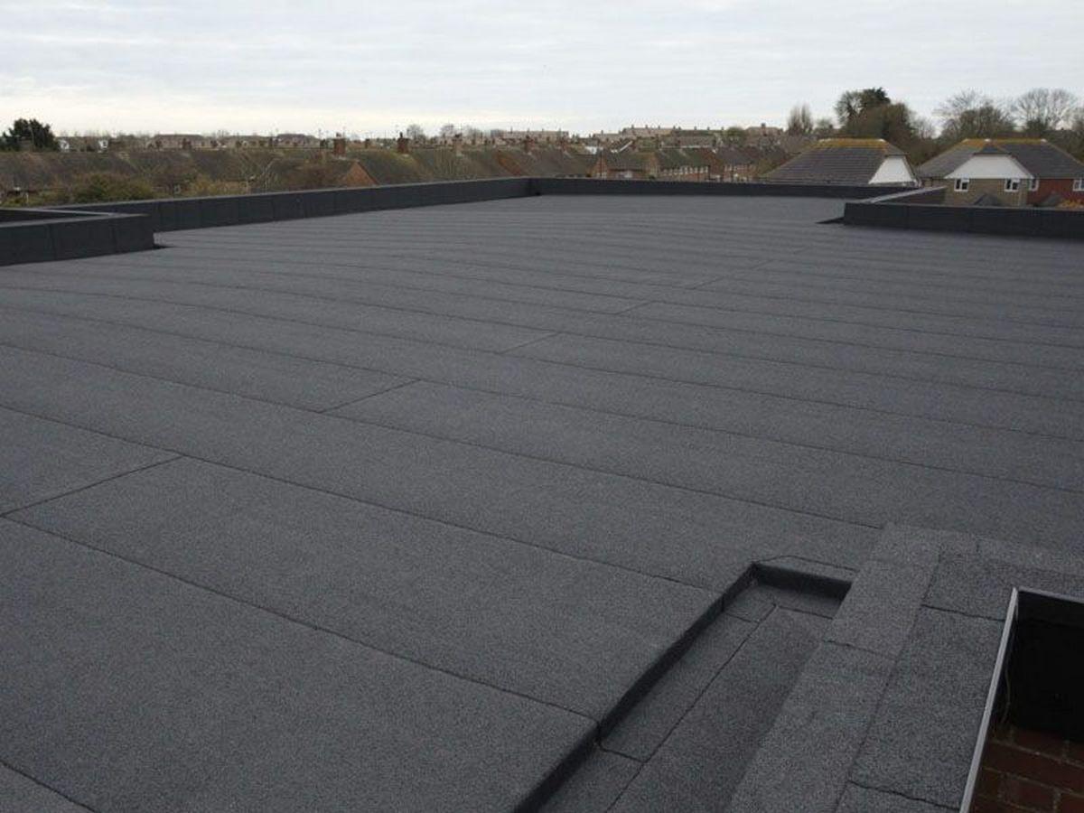 Крыша многоэтажного дома после капитального ремонта с применением Техноэласта — дорого, аккуратно и надолго