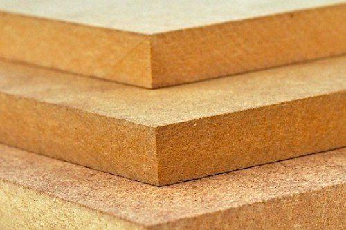 МДФ имеет достаточно плотную и однородную структуру, напоминающую картон
