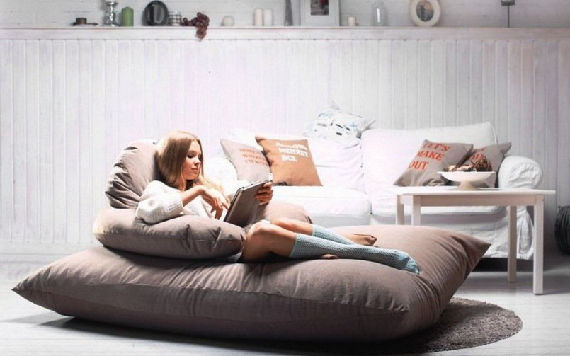 Мебель без каркаса очень легкая и удобная.