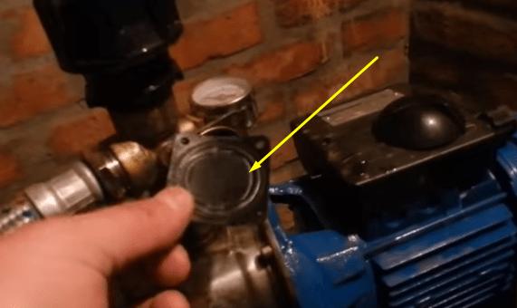 Мембрану и узел подключения в реле нужно периодически чистить.