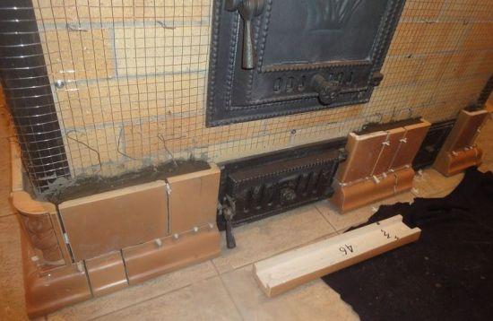 Металлическая сетка для армирования конструкции.