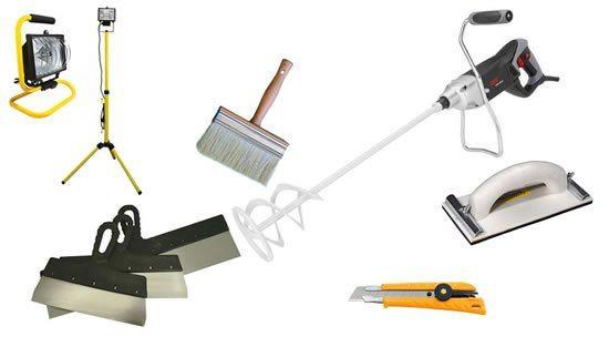 Минимальный набор инструмента для шпаклевки потолка.