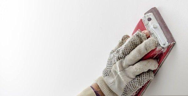 На фото: зашкуривание позволяет довести поверхность до идеала