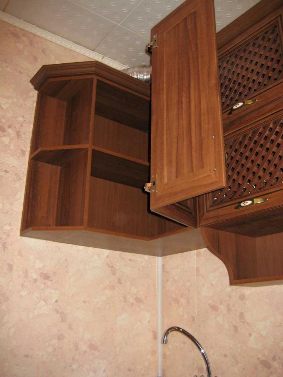 все варианты угловых навесных шкафов для кухни фото это трудно