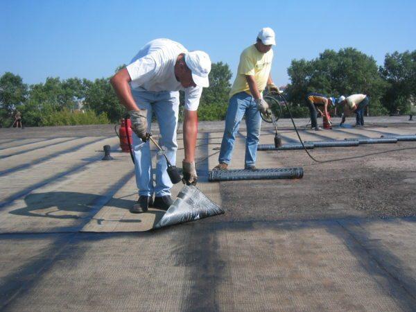 На основе составленного документа рассчитывается бюджет, который необходим для восстановления крыши