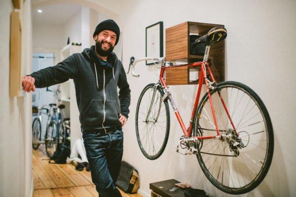 На такой полке любой велосипед будет выглядеть как коллекционная ценность