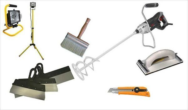 Набор инструмента для шпаклевки.
