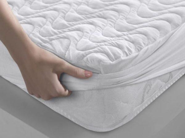 Наматрасники призваны защитить матрас от грязи и повреждений, а также улучшать качество сна