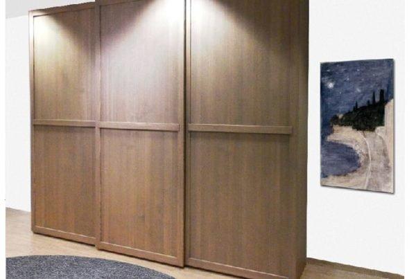 Настоящая древесина — лучший материал для шкафа.