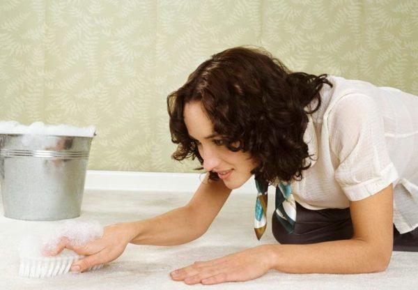 Не все ковровые покрытия можно чистить щеткой