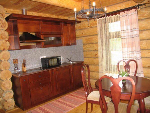 Небольшая кухня в комнате отдыха