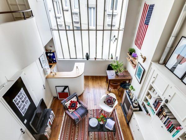 Нередко в старых квартирах Парижа обустраивают двухуровневое жилье