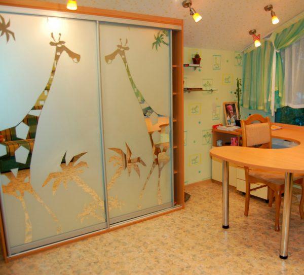 Незатейливый рисунок для детской комнаты