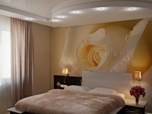 Ничто так не успокаивает, как живые цветы на стенах спальни.