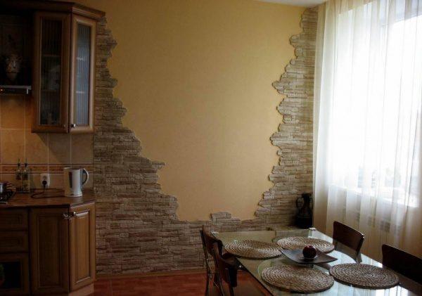 Облицовка под сланец в кухне.