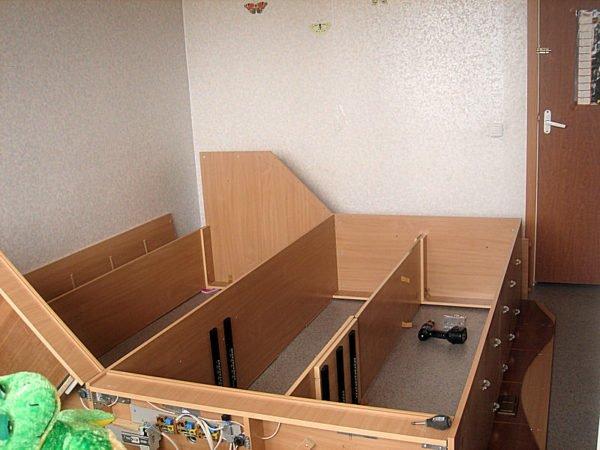 Образец сборки шкафа в помещении, где он будет эксплуатироваться