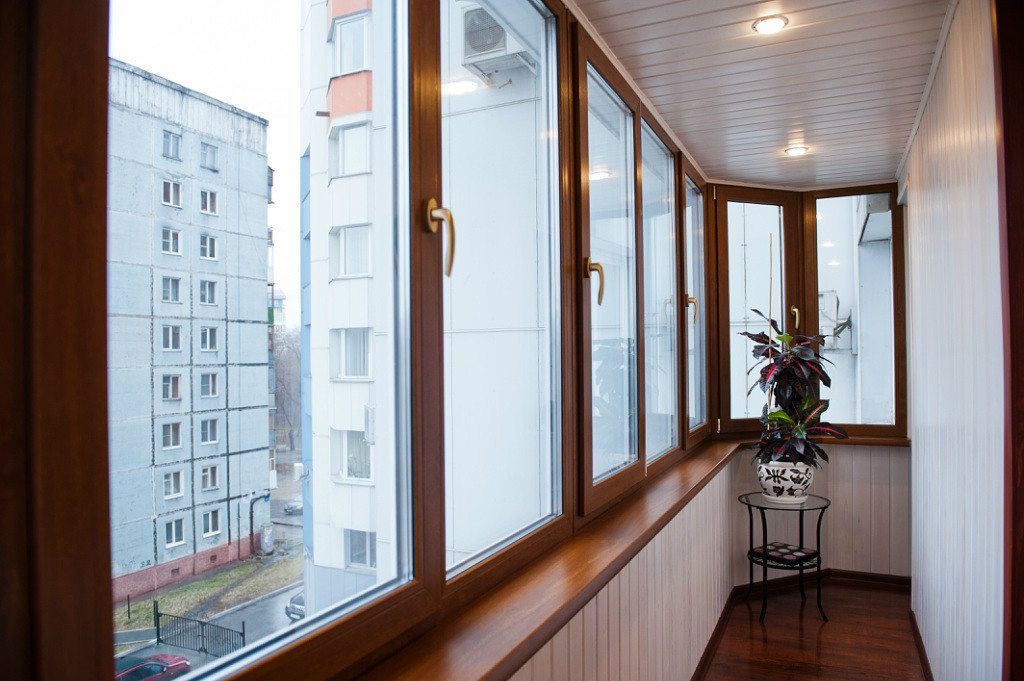Отделка балкона: 5 актуальных вариантов обустройства obustroeno.com.