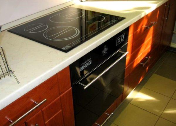Одинаковый дизайн панели и духовки — несомненное преимущество