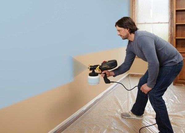 Однако применять краскопульт можно далеко не всегда. Например, он не пригоден для работы с густыми масляными красками и нитроэмалями.