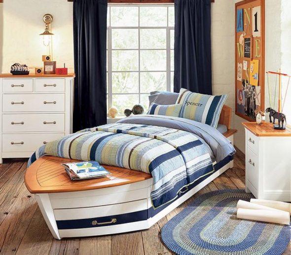Односпальную кровать можно поставить по диагонали
