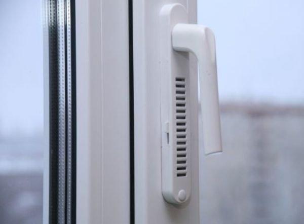 Оконный фильтр воздуха — полезное устройство для городских условий
