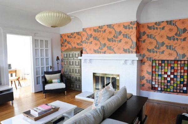 Оригинальный способ немного «опустить» потолок с помощью ярких обоев