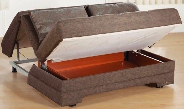 Особенно ценится мебель с ящиками для постельных принадлежностей.