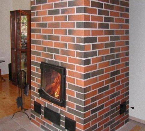 Отделка дымохода для камина обход окна дымоходом