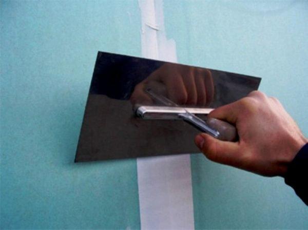 Перед тем как положить плитку, необходимо полностью подготовить поверхность ГКЛВ.