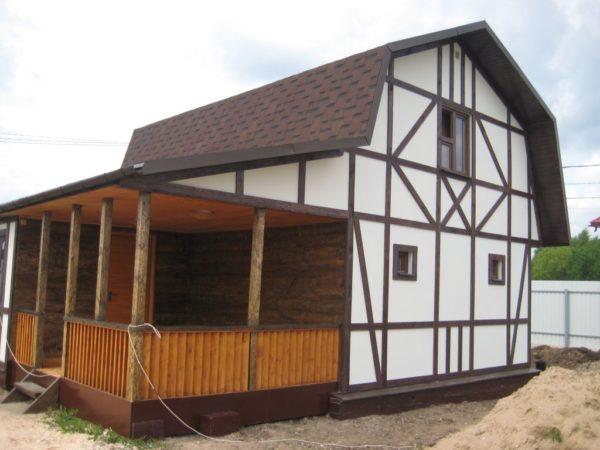 Планки придают дому европейский вид