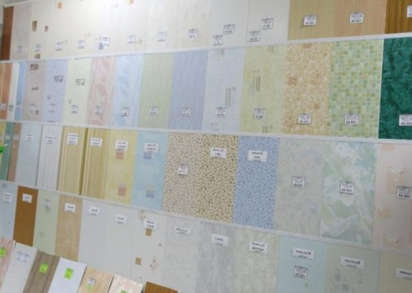 Пластиковые стеновые панели: дешево и сердито.