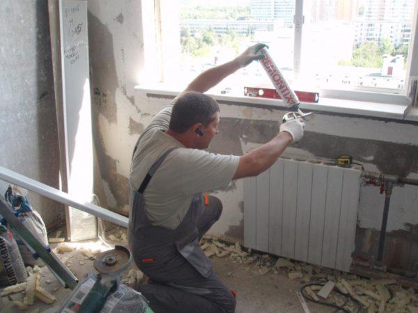 Подоконник нужно правильно выбрать, и правильно поставить – тогда и окно будет смотреться гораздо лучше!