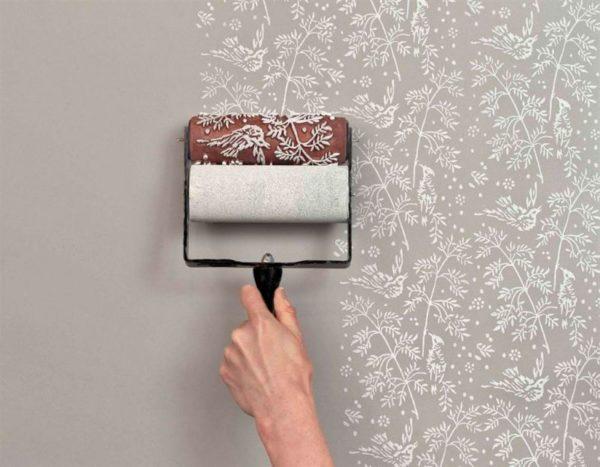 Покраска требует более тщательной подготовки стен.