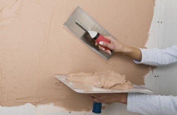 После нанесения грунтовки и отделки стены продолжают «дышать» и создавать благоприятный микроклимат.