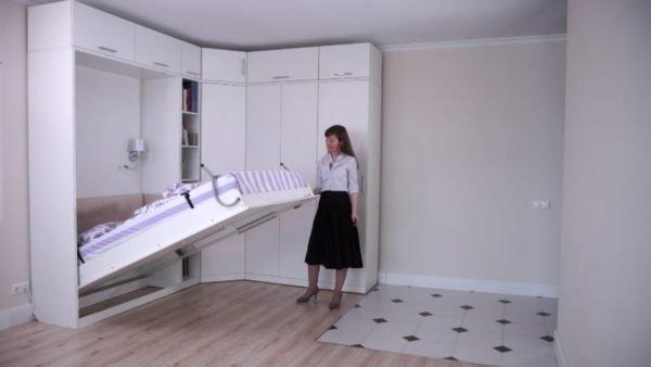 Превращение шкафа в спальное место своими руками осуществляется очень легко