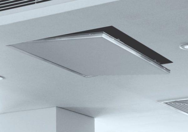 При грамотном подборе и монтаже потолочный люк будет практически незаметен.