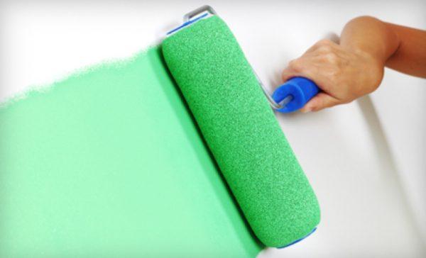 При использовании валика расход краски будет среднем.