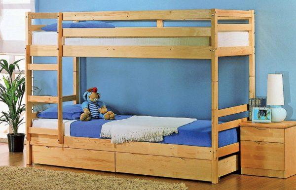 При необходимости конструкция легко разделяется на две стандартные кровати